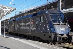 """1116.126 """"Licht ins Dunkel Sternenlok"""" in Salzburg Hbf"""