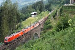 1016.027 + 1116.093 + 1144.103 mit Güterzug in Bad Hofgastein