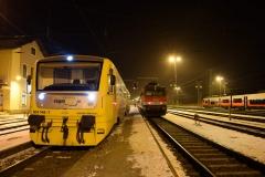 CD 814 146 als Os3886 neben 1142 627 mit R3835 in Summerau (3633_mdo)