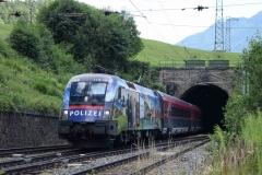 1116 157 mit railjet653 in Breitenstein (5813mdo)
