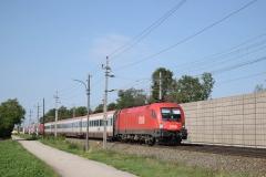 1116 130 mit D739 und 1116 050 mit der Garnitur für R1957 in Theresienfeld (6050)