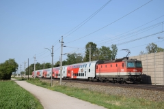 1144 100 mit R2946 in Theresienfeld (6052)