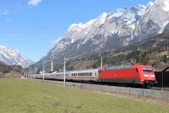 DB 101 117 mit EC217 in Pfarrwerfen (7057)