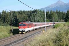 ZSSK 350 015 mit RR767 bei Strba (7758_md)