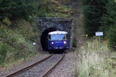 EBB 5081 565 und 5081 563 als Zug 11000 am Portal des Plattentunnels (8560)