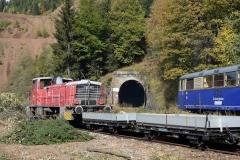EBB 603 010 neben 5081 565 und 5081 563 am Erzberg (8573)
