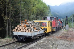 EBB X626 126 und 603 010 mit Arbeitszug in Krumpental (8097)