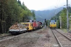 EBB X626 126 und 603 010 neben Schotterpflug in Krumpental (8107)