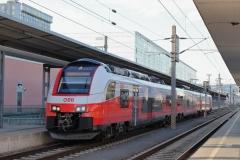 4744.037 mit R 3028 in Linz Hbf