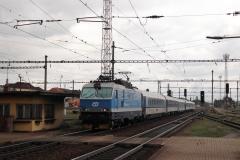 """ČD 151.012 mit EC 116 """"Praha"""" in Pardubice hl.n"""