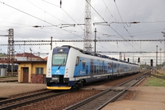 """ČD 661.106 mit Rx 868 """"Špilberk"""" in Pardubice hl.n"""