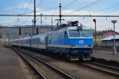 CD 151 015 mit EC117 in Praha Vrsovice (ps)