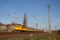 RegioJet 162.117 mit RJ 1014 in Velim